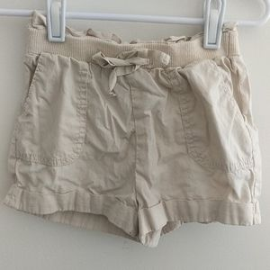 Gap shorts with pockets